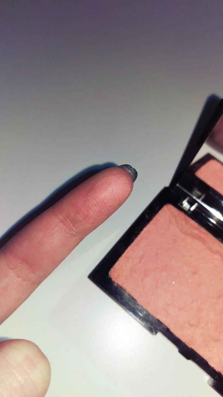 Repair powder produkt lav et ødelagt pudder produkt med alkohol sprit